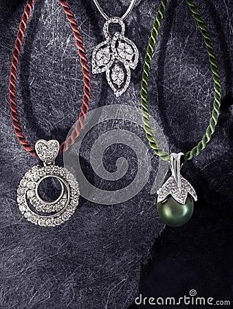 Green pearl pendant