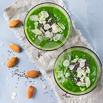 Free Green Smoothie With Kale Apple Broccoli Lime And Spinach Stock Image - 92207231