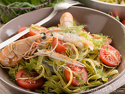 Green tagliatelle with norway lobster