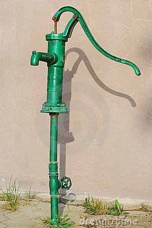 Free Green Water Pump Stock Photography - 3293622