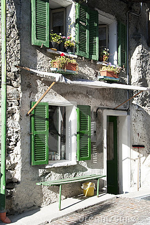 Free Green Windows In Old Facade House Royalty Free Stock Photography - 10586427