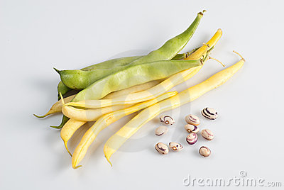 Green and yellow string beans