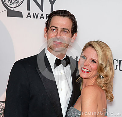 Greg Naughton And Kelli O'Hara Stock Image - Image: 25281891