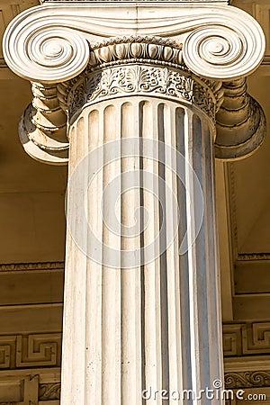 Grekisk kolonn