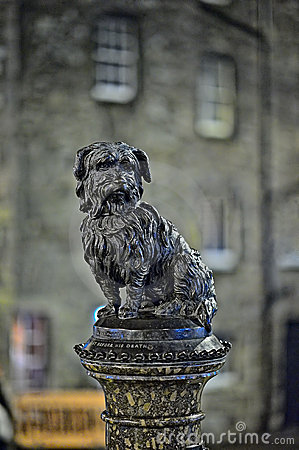 Greyfriars Bobby, at night, Edinburgh, Scotland