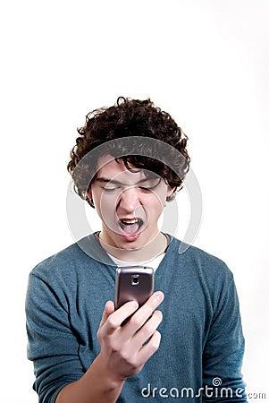 Gridando sul telefono