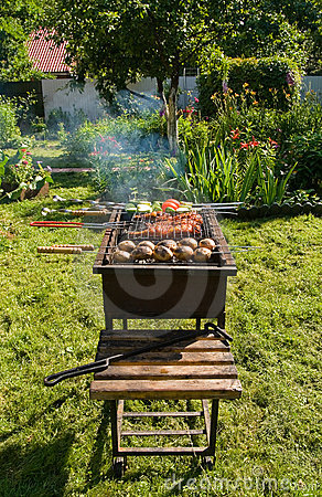 Free Grill In A Garden Royalty Free Stock Images - 10130909