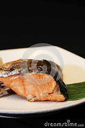 Grill salmon head