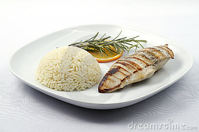 Grilled chicken breast with boiled rice