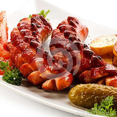 Free Grilled Sausages Royalty Free Stock Photos - 28682328