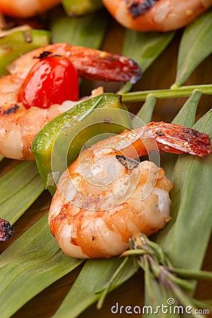 Grilled shrimps, tropical