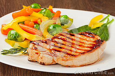 Grilled Steak With Vegetables Stock Image - Image: 29085741