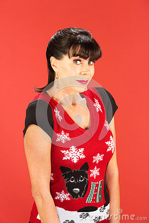 Free Grinning Adult Female In Ugly Christmas Sweater Royalty Free Stock Images - 80975589