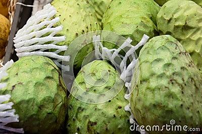 Gr ne exotische frucht des flaschenbaums genannt eine - Liste fruits exotiques avec photos ...