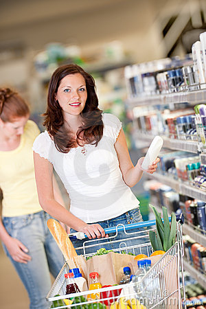 Grocery shopping store - Brown hair woman