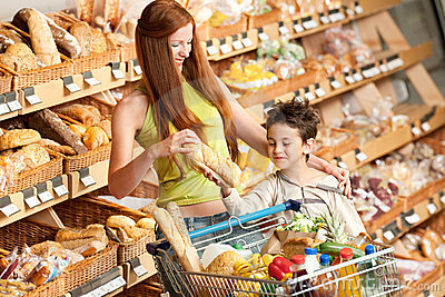 Grocery shopping store - Red hair woman and child