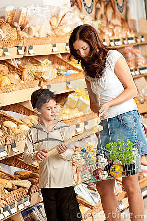 Grocery shopping store - Woman with child