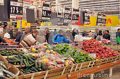 surroundings grocery store and people Queen elizabeth visited a grocery store — and you have  looked immediately skeptical of her new surroundings  peoplecom may receive a percentage of sales.