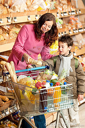 Grocery store - Woman with child