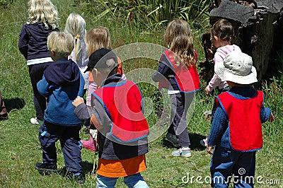 Groep schooljonge geitjes