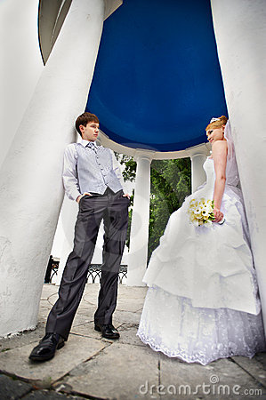 Groom adn bride for walk in park