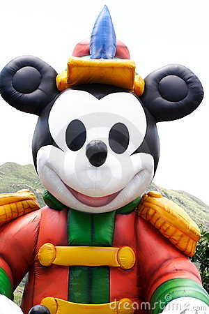 Groot opblaasbaar Mickey Mouse Redactionele Foto