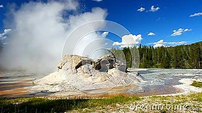 Grota gejzeru Yellowstone park narodowy