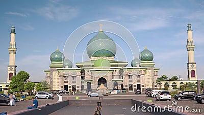 Grote Moskee een-Nur in Pekanbaru, Indonesië stock video