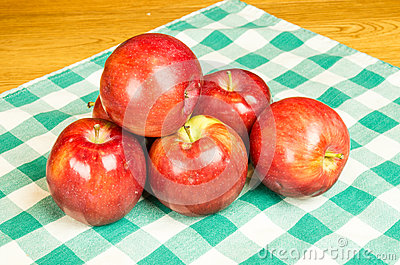 Group of Empire apples