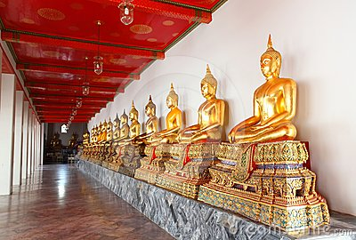 Group image of buddha statue at Wat Pho Bangkok