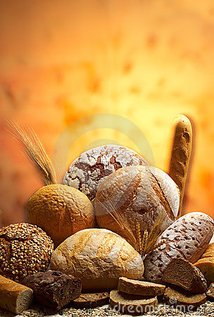 Free Group Of Different Bread Products Royalty Free Stock Image - 2016156