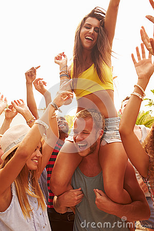 Free Group Of Young People Enjoying Outdoor Music Festival Stock Photo - 52858890