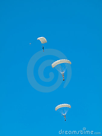 Group of parachutists