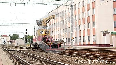 Grue ferroviaire pour des rails clips vidéos