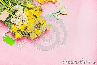 Resultado de imagem para imagem de rosas amarradas com fita dourada