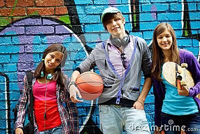 Grupp av tonår