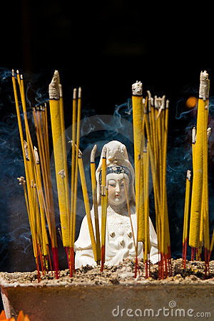 Guan Yim statue