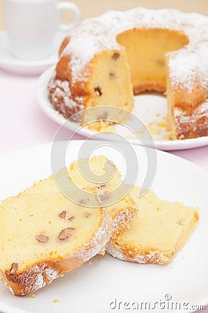 Free Gugelhupf Cake Royalty Free Stock Photo - 24387035