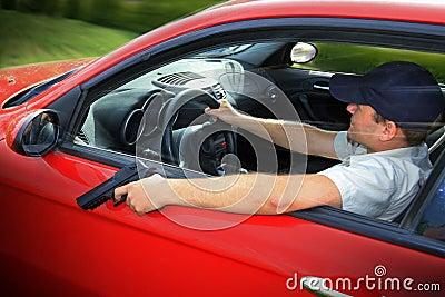 Guidando con la pistola