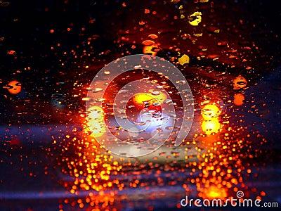 Guidando nella pioggia