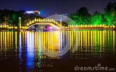 GUILIN, CHINA - SEPTEMBER 22, 2016: Huizhou Jiuqu bridge on the Editorial Stock Image