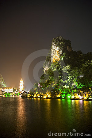 Free Guilin S Mulong Lake And Dai Cai Hill At Night Royalty Free Stock Photos - 10550848