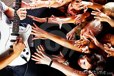 Guitarsolo at a rock concert
