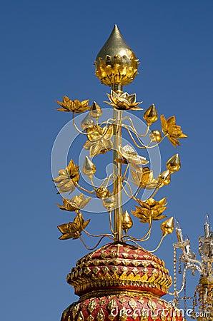 Guld- lotusblomma, Thailand tempel