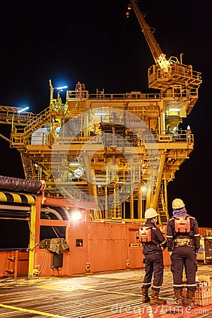 Free GULF OF THAILAND,SEPTEMBER 29,2017: Offshore Oil And Gas Worker Stock Photo - 107961360