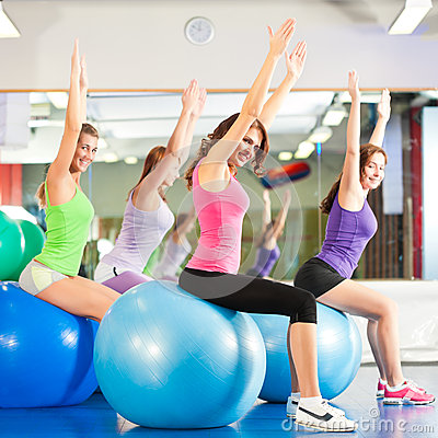 Free Gym Fitness Women - Training And Workout Royalty Free Stock Photography - 27039257