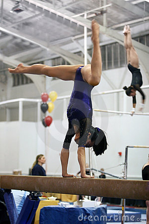 Free Gymnast On Beam Royalty Free Stock Photo - 527535