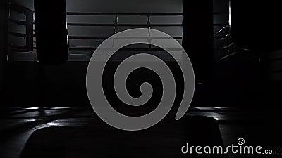 Gymnastiek en ringsavond zonder mensen stock video