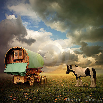 Free Gypsy Wagon, Caravan Stock Photos - 15531223