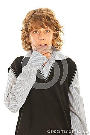 Häpen tonårig pojke